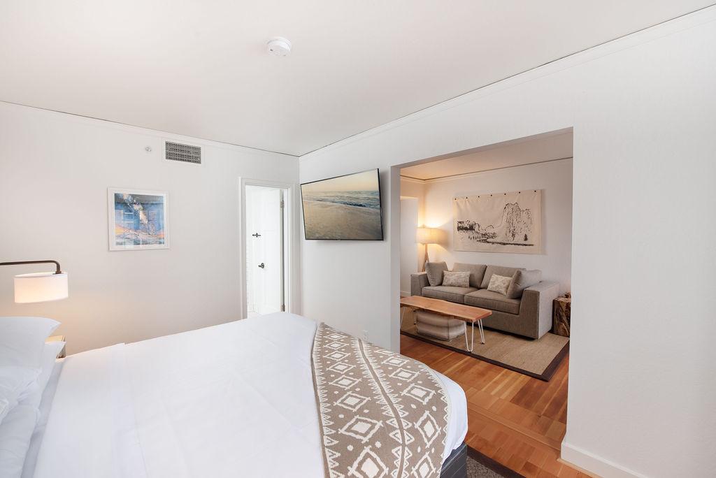 SCP Redmond Hotel Guest Room
