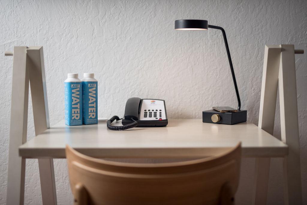 Redmond Hotel In Room Desk